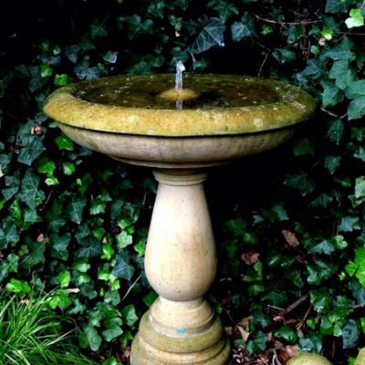 Säulenbrunnen (Springbrunnen) aus Sandstein
