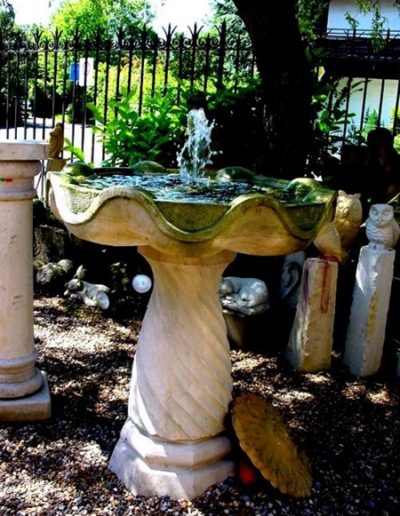 No.12 - künstlerisch gestalteter Säulenbrunnen als Springbrunnen aus Stein