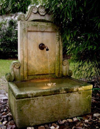 Pfälzer Brunnen Werkstatt Trogbrunnen No.25