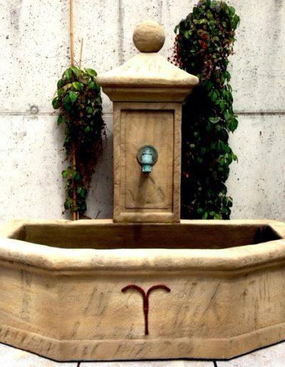 Pfälzer Brunnen Werkstatt Trogbrunnen No.50