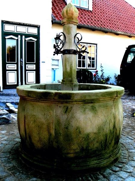 Pfälzer_Brunnen_Werkstatt_antike_Brunnen_No.11