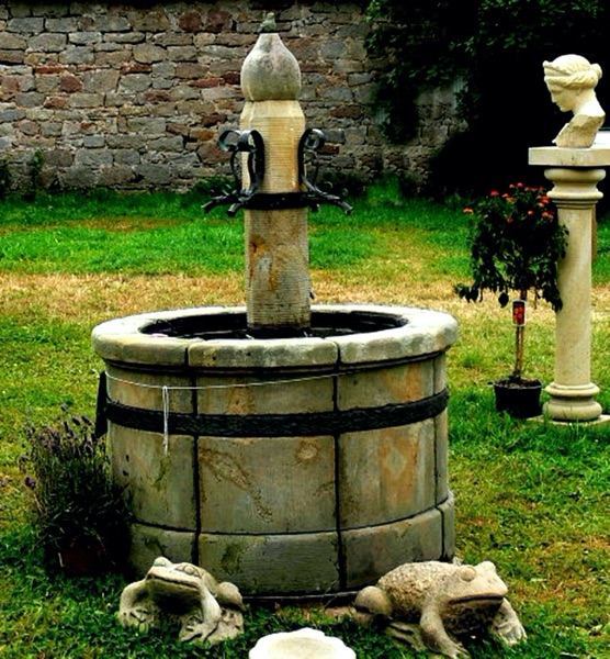 Pfälzer_Brunnen_Werkstatt_antike_Brunnen_No.13