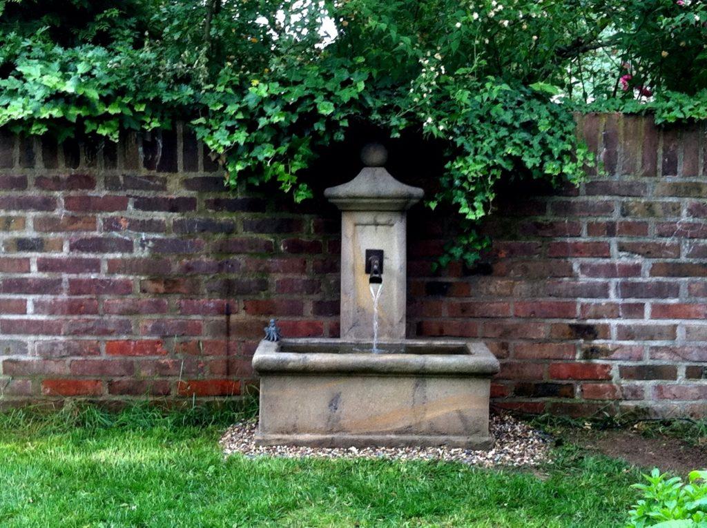 Pfaelzer_Brunnen_Werkstatt_unsere_Brunnen_in_ihren_Gärten_No.87